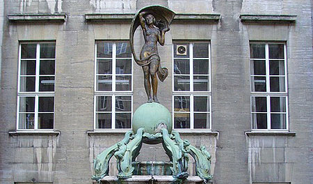 Fountain at city hall Bochum